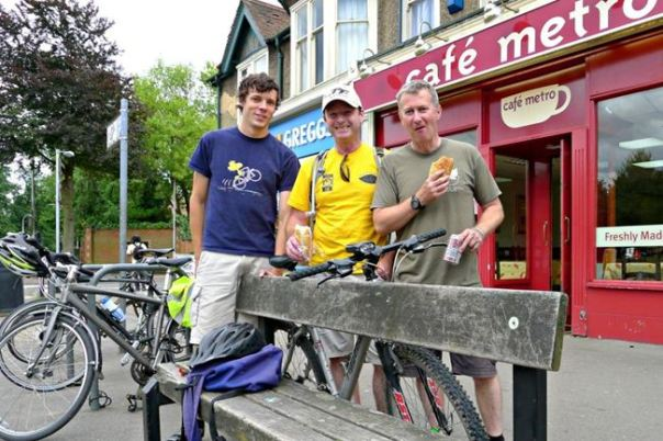 Planning the Reading ride - Jon Banks (Bartletts), Martin Gammie & Russell Ball enjoying a road-hog lunch!